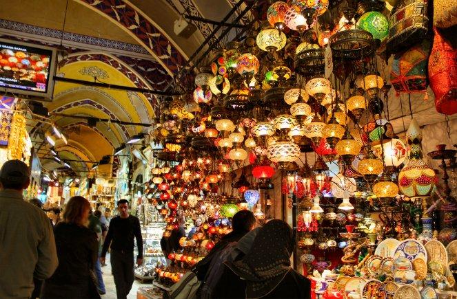 45-istanbul-grand-bazaar-glass-lamps1
